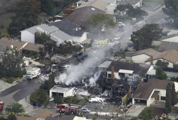 Jet Crash with houses.