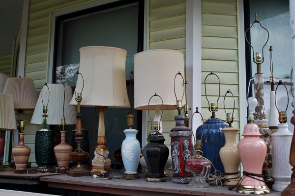 FRIDAY FICTIONEERS : THE LAMPS