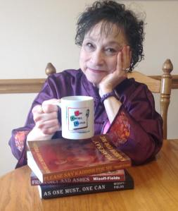 rochelle-with-mug-and-books