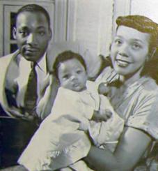 Martin_Luther,_Coretta_Scott_and_Yolanda_Denise_King,_1956
